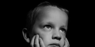 Los niños británicos entre los más infelices.