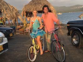 Carlos Vives y Shakira cantantes del tema La bicicleta. Imagen de archivo.