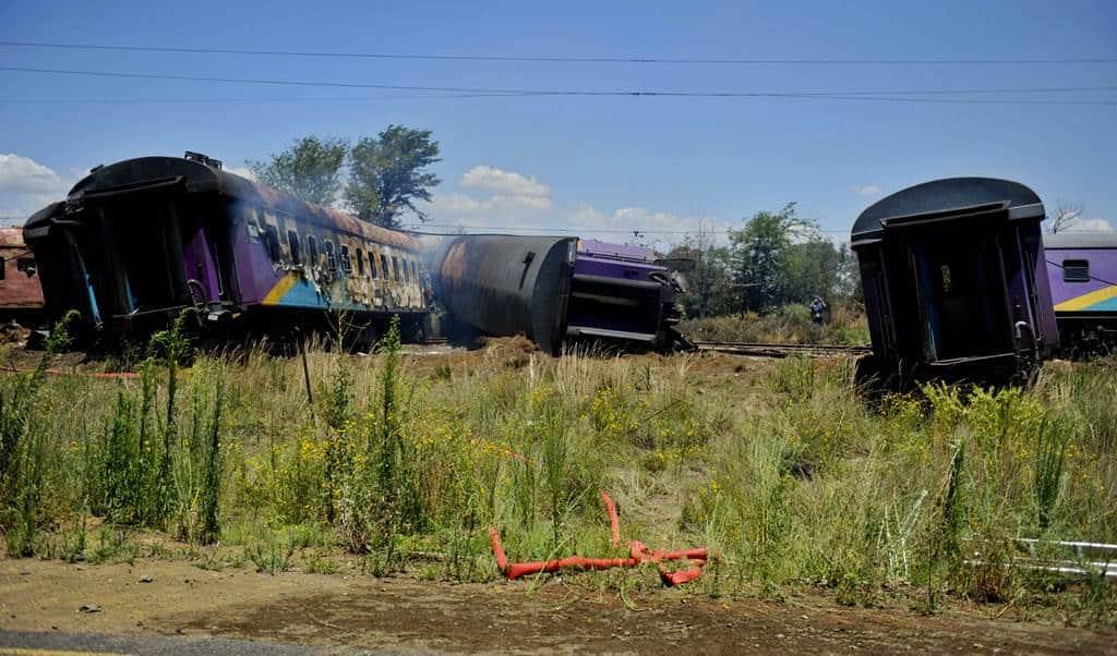 Imágenes del accidente de tren en Sudáfrica. El Horizonte.
