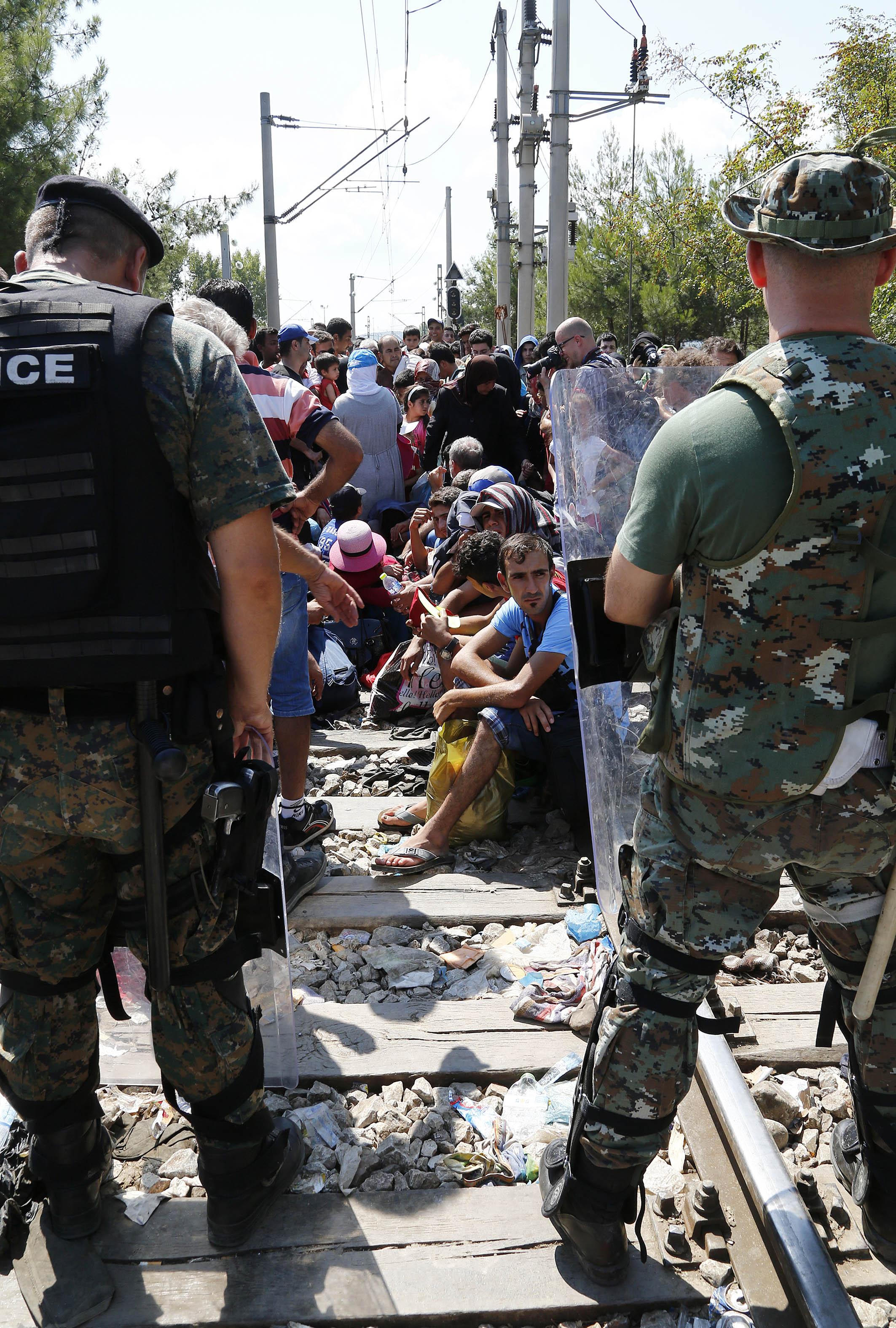 Arbeitsbesuch von Bundesminister Sebastian Kurz in Mazedonien. Besuch der FlŸchtlingsstršme am GrenzŸbergang Gevgelija. Mazedonien, 24.08.2015, Foto: Dragan Tatic