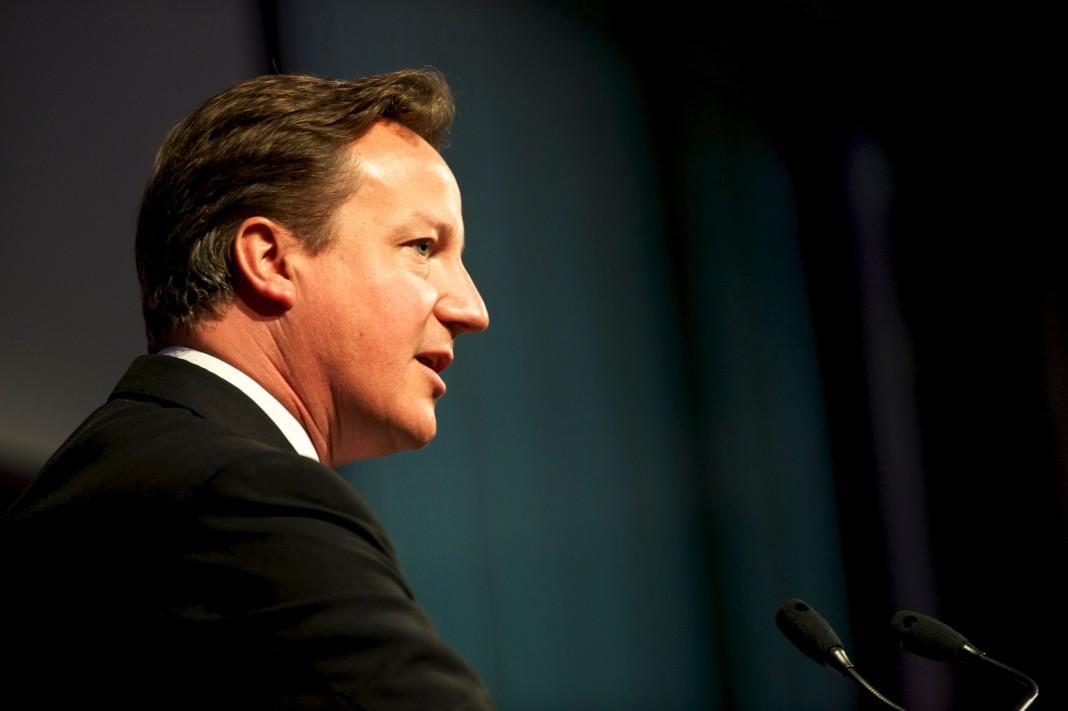 David Cameron tildó de puñado de inmigrantes a los refugiados de Calais