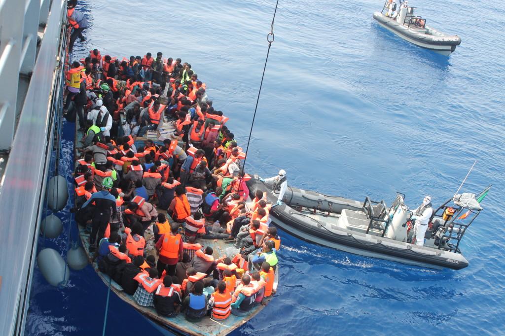 Al menos 21 emigrantes muerrto