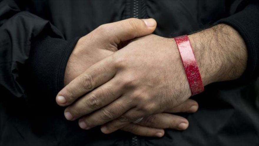Los refugiados de Cardiff no tendrán que llevar pulseras rojas. www.hispantv.com