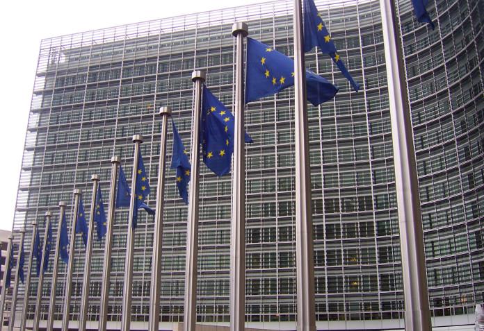 Bruselas exige a España que controle el gasto autonómico.