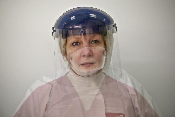 Enfermera británica voluntaria contra el ébola. Imagen de archivo.