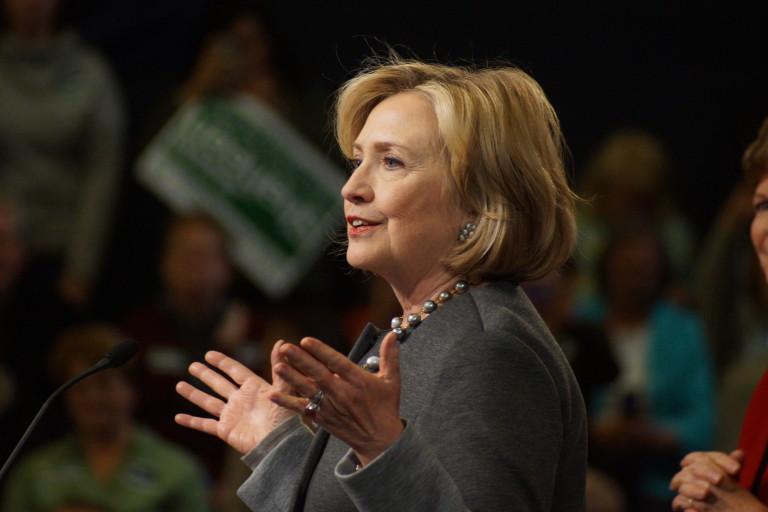 """Hillary Clinton con los ojos puestos en el """"supermartes"""""""