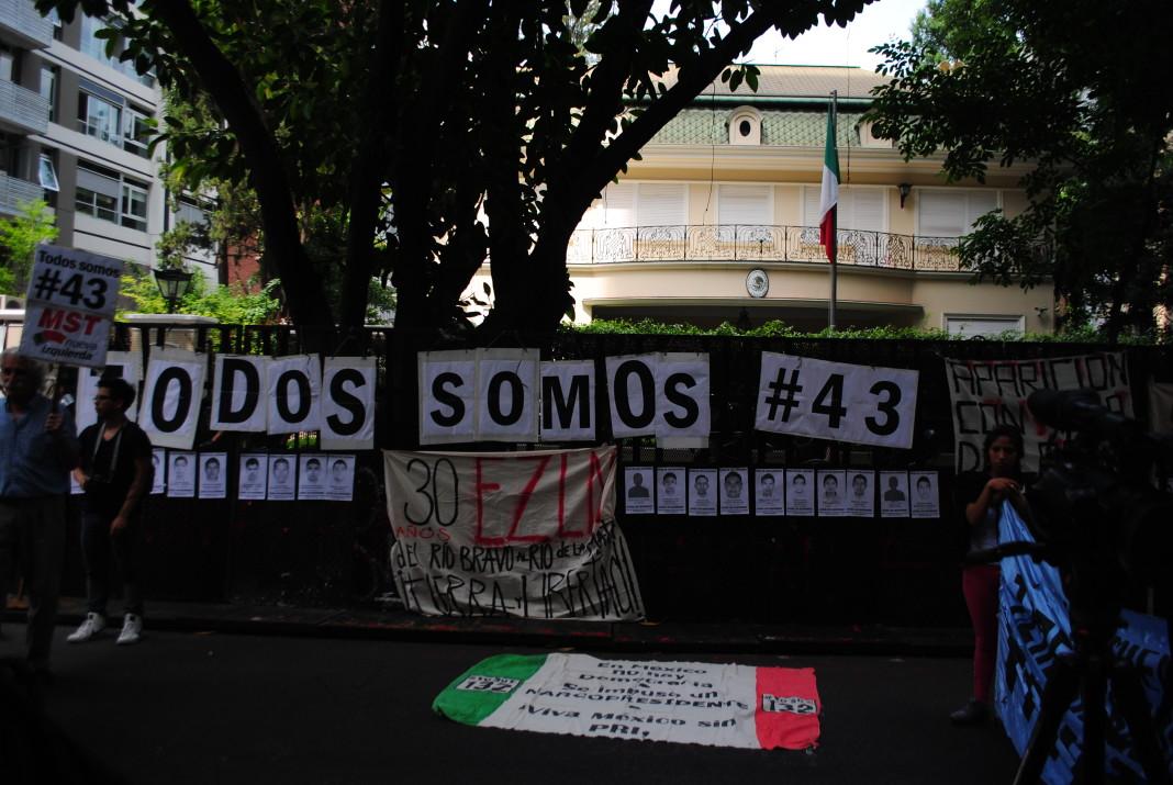 Protesta por la desaparición de los 43 estudiantes de Ayotzinapa. Imagen de archivo.