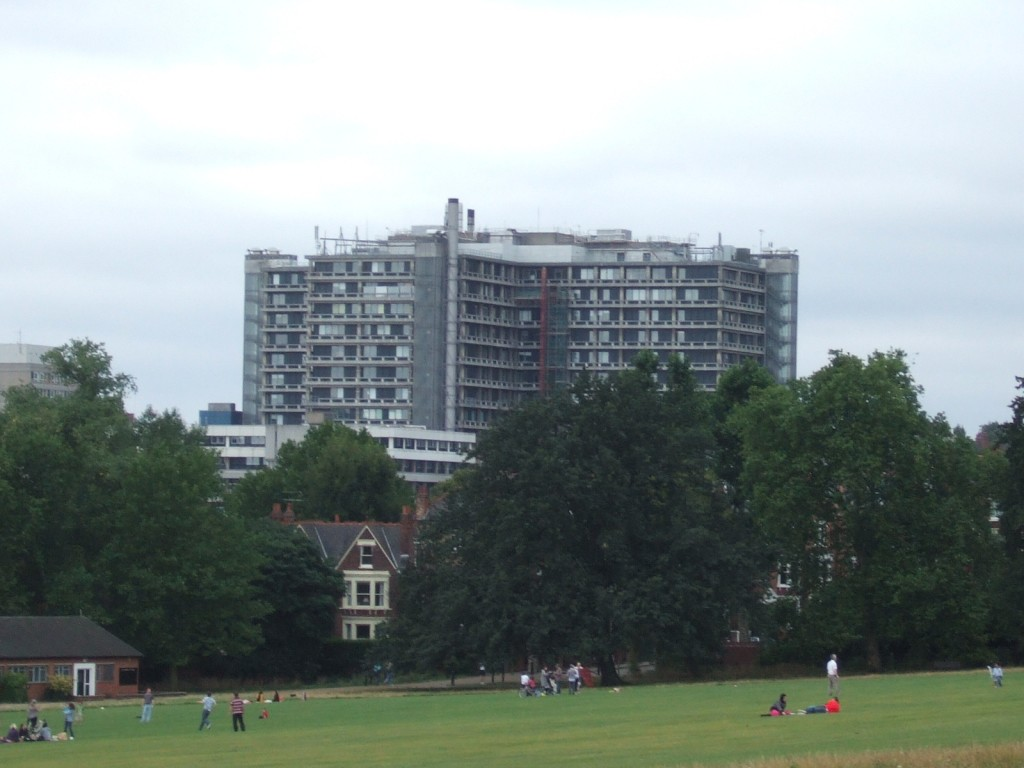 Royal_Free_Hospital_from_Hampstead_Heath_in_2009