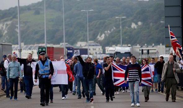 protesta antiinmigracion dover