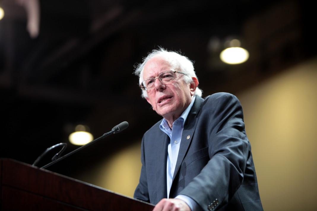 Bernie Sanders gana en Michigan.
