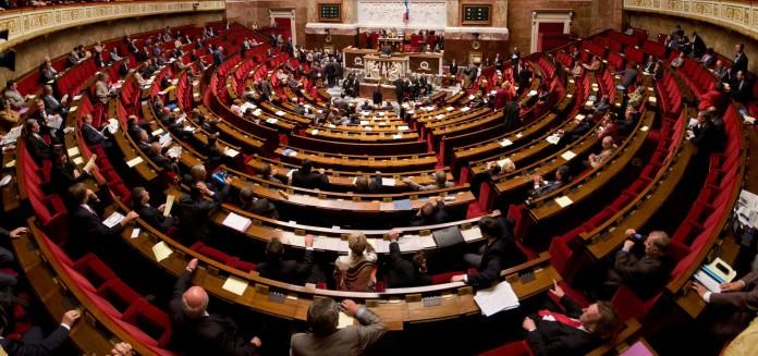 La Asamblea Nacional en Francia aprueba ley antiterrorista