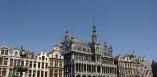 Un muerto y cuatro heridos en incursión antiterrorista en Bruselas.