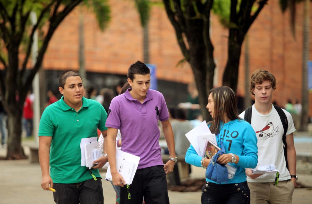 jovenes_estudiantes