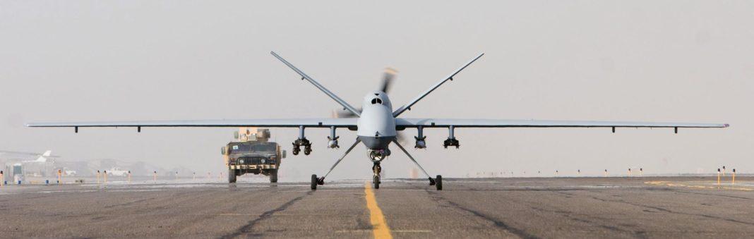 Avión es golpeado por un drone