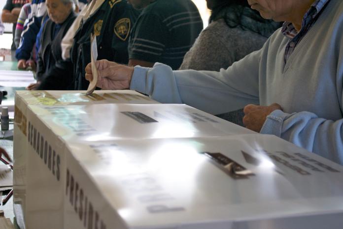 Kuczynski pasaría a la segunda vuelta en Perú con la vencedora Fujimori.