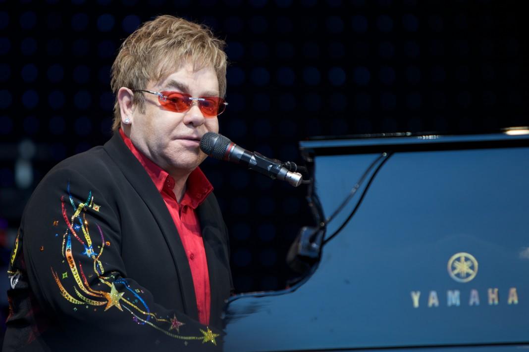 Elton John se despide del musical de Billy Elliot.