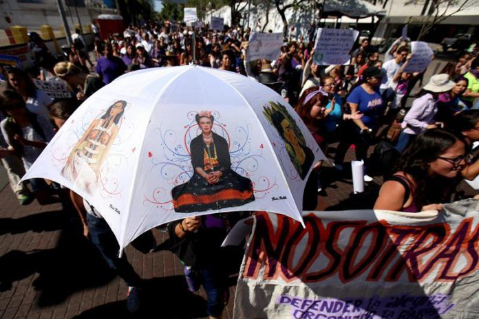 Marcha multitudinaria en México contra la violencia machista. www.vidaslatinasd.com