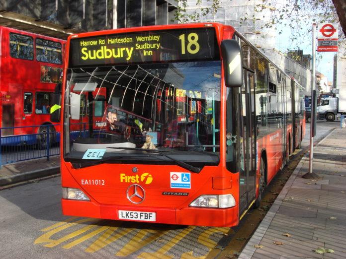 Accidente de bus en Harlesden