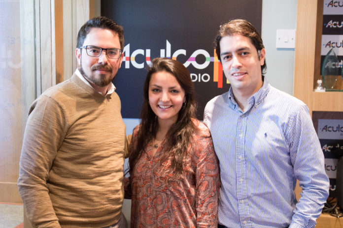Mario Hidalgo, Diana Hidalgo e Inty Gronneberg, estudiantes que realizaron la campaña de crowdfunding SOS Ecuador.