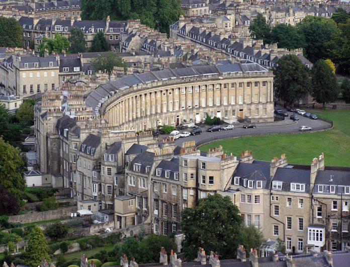 Evacúan casas en Bath por hallazgo de bomba de la II Guerra Mundial