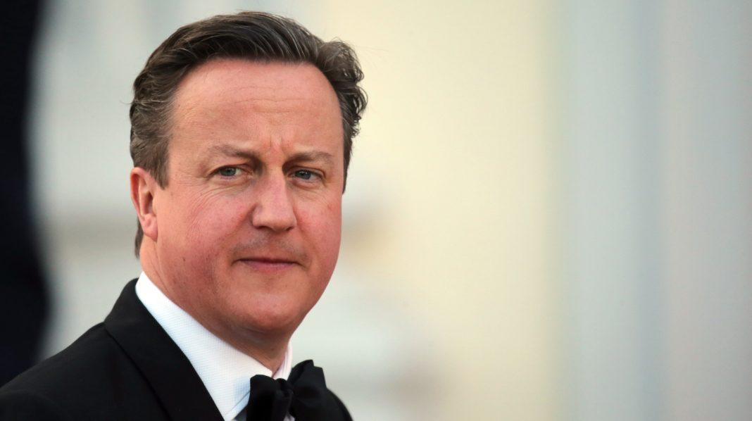 Cameron deja de lado rencillas con Khan para trabajar juntos en campaña para referendo