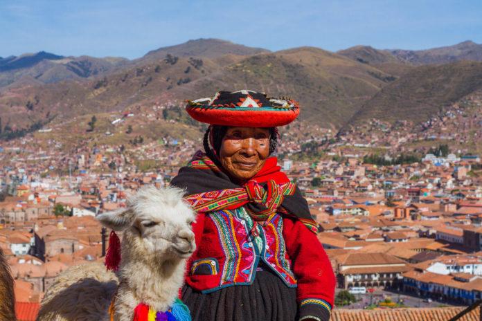 mujer quechua, peru