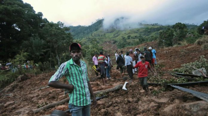 Más de 150 desaparecidos tras los deslizamientos de tierras por las lluvias en Sri Lanka