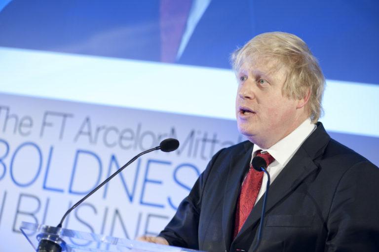 Johnson y May apuestan por restricción de la migración laboral