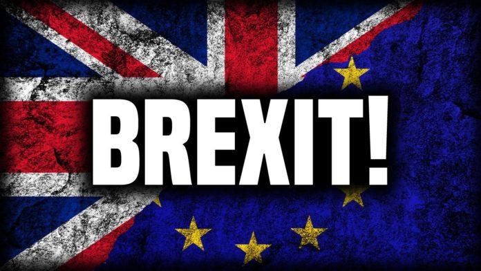 Investigan solicitud para repetir referendo de permancencia de Reino Unido en la UE.