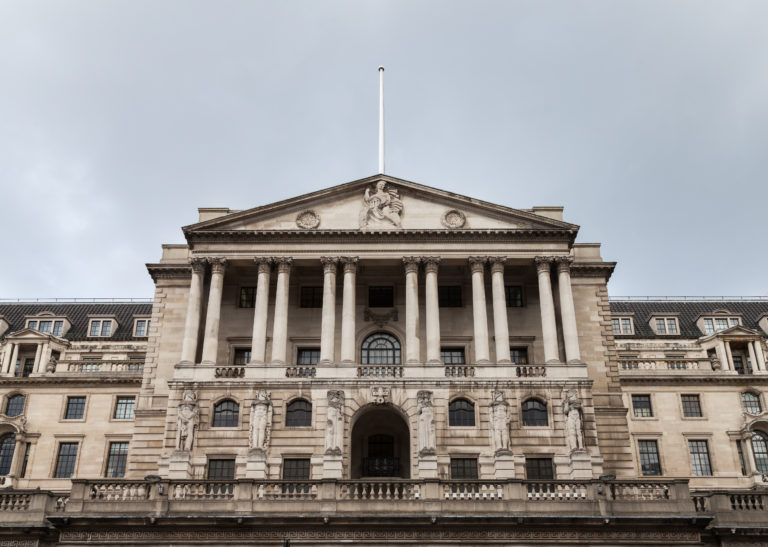 El banco de Inglaterra advierte que un Brexit duro sería peor que la crisis de 2008
