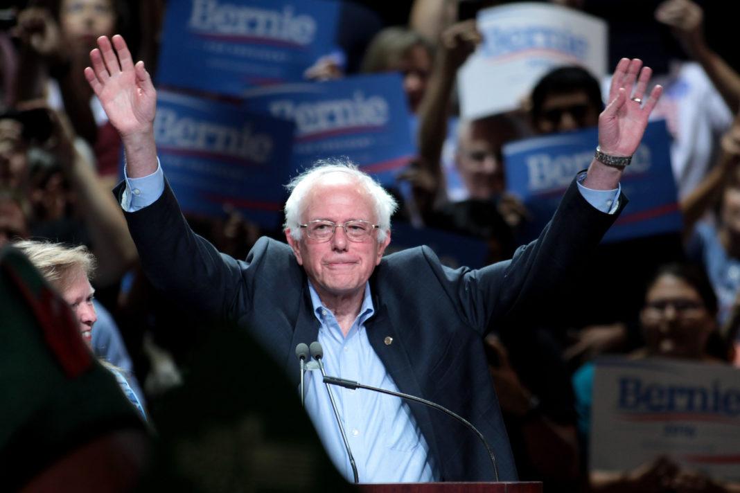 Bernie Sanders pide el voto para Hillary Clinton. Imagen de archivo.
