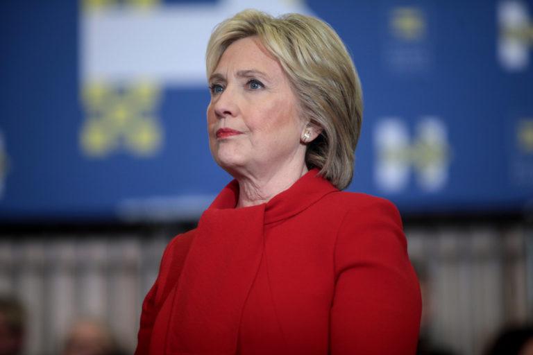 """Hillary Clinton apuesta por un """"liderazgo fuerte"""""""