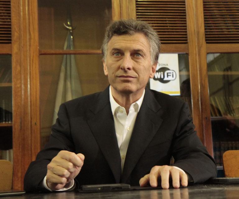 Argentina busca aliviar su crisis financiera con los 50.000 millones en fondos del FMI