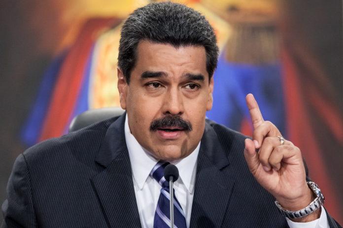 La CNE aprueba los primeros pasos para el referendo revocatorio contra Maduro.