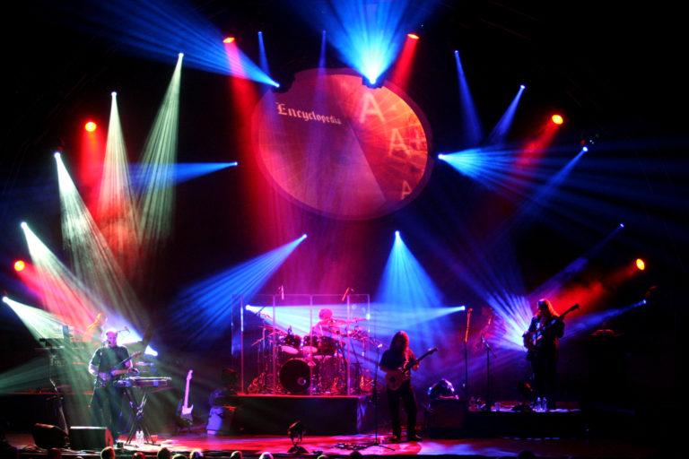 Lanzan caja de CD's con material inédito de la banda Pink Floyd entre 1965 y 1972