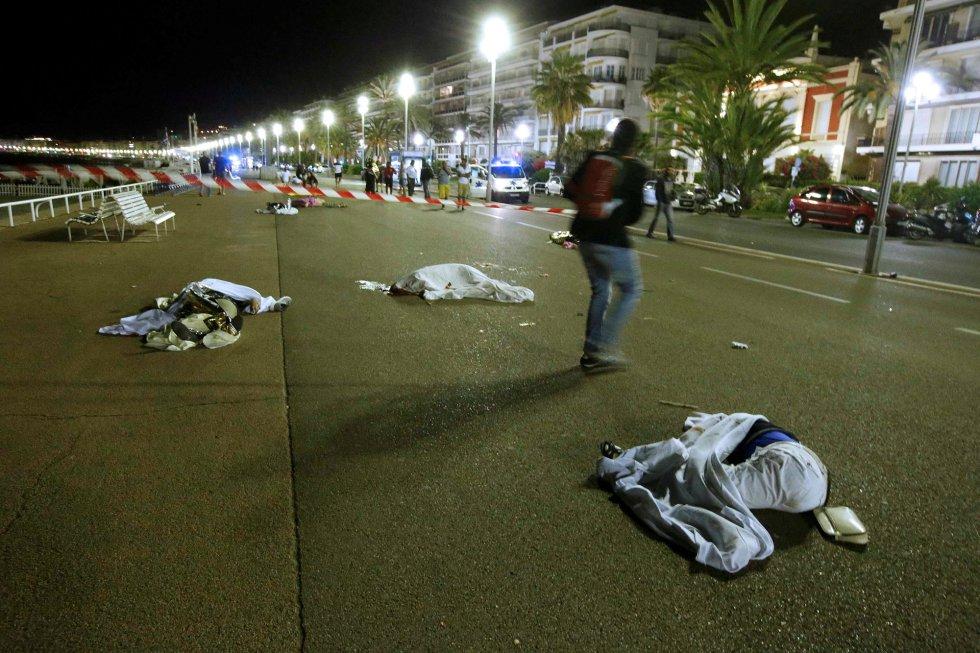 Imágenes del ataque del camión en Niza. Lavozlibre.com