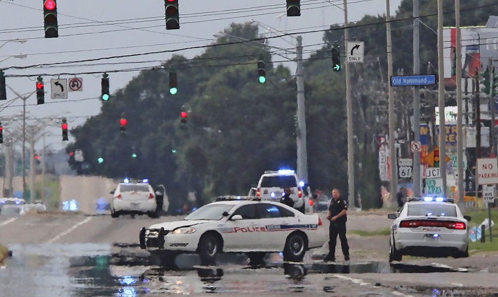 Mueren tres policías en un tiroteo en EE.UU. La República.