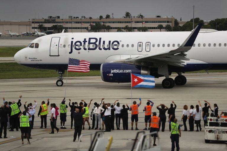 Primer vuelo regular desde EE UU a Cuba