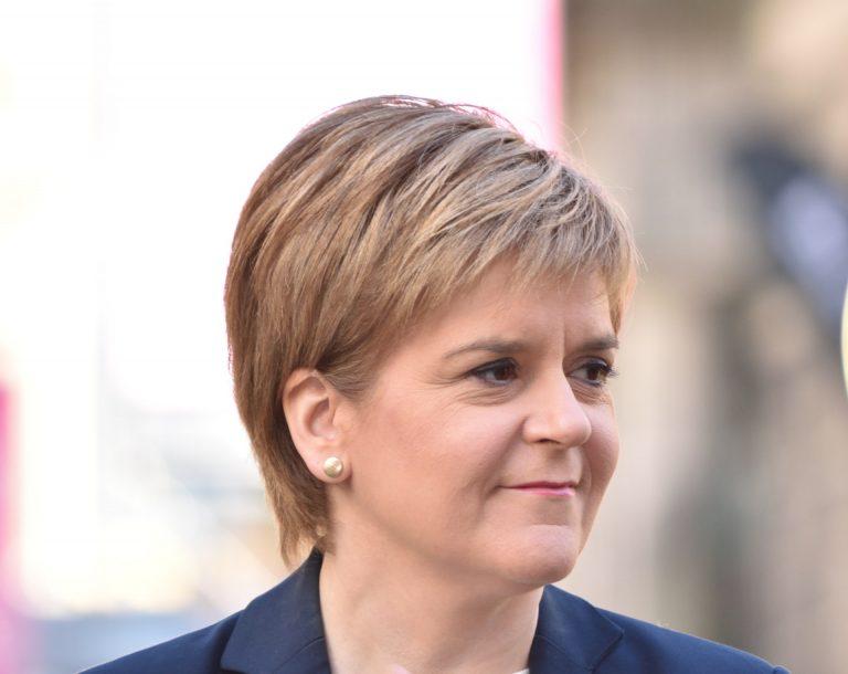Sturgeon propone un nuevo referendo de indepencia antes de las elecciones de 2021