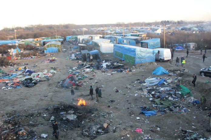 Imagen del campamento de La Jungla en Calais. Imagen de archivo.