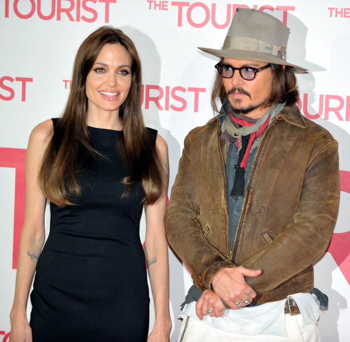 Angelina Jolie Y Johnny Depp Juntos Aculco Media
