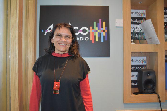 La cantante Liliana Montes en los estudios de ACULCO Media. Patricia Cuenca.