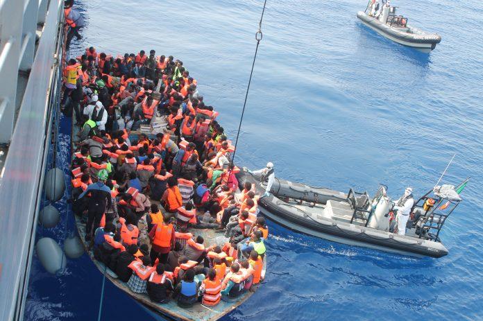 Salvan más de 10.000 personas en el Mediterráneo. Imagen de archivo.