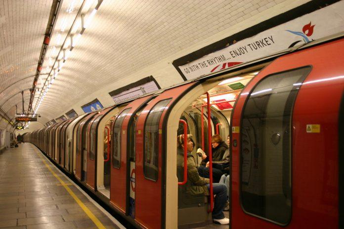 Agresión racista en el metro de Londres. Imagen de archivo.