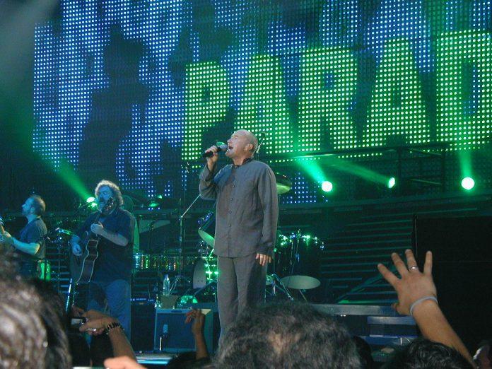 Phil Collins durante un concierto. Imagen de archivo.