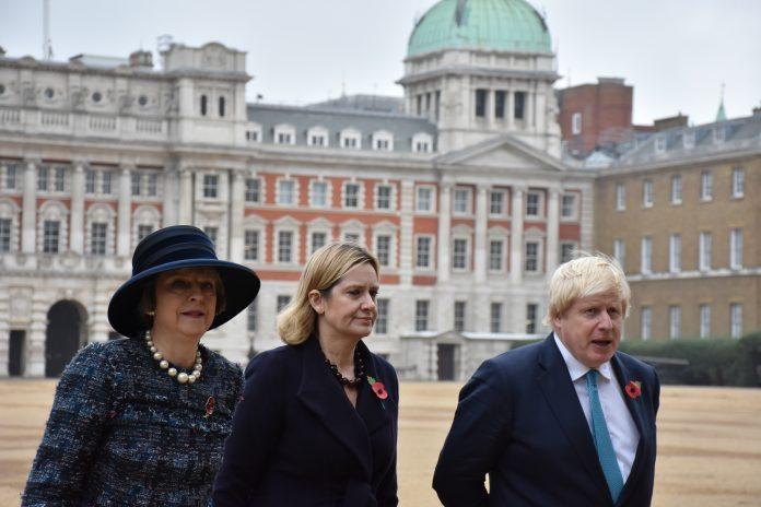 Los miembros del Gobierno Theresa May, Amber Rudd y Boris Johnson. Elizabeth Santana.
