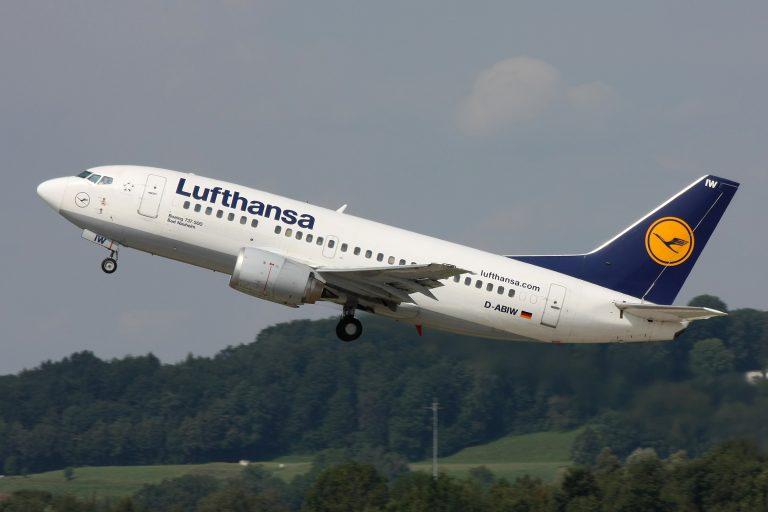 La aerolínea Lufthansa cancela más de 800 vuelos