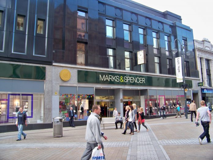 Tienda de Mark & Spencer en Leeds. Imagen de archivo.