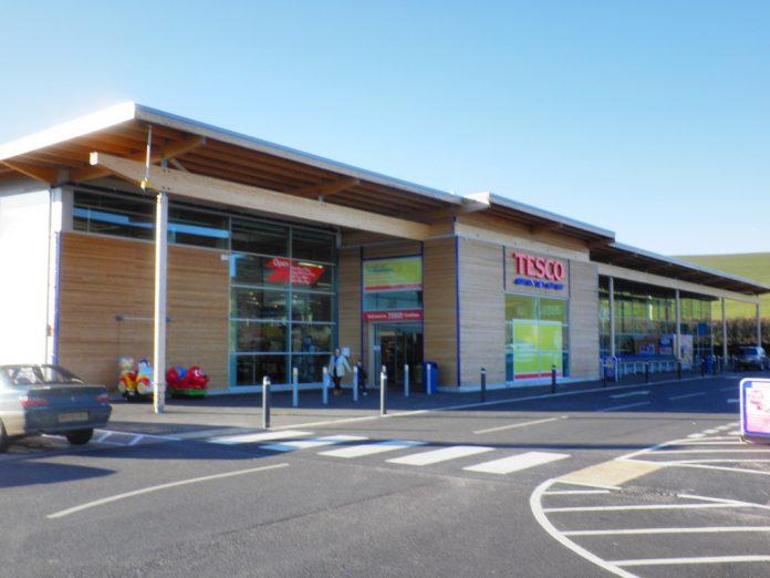 Supermercado Tesco. Imagen de archivo.