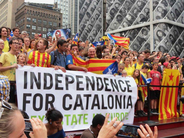Piden hasta 25 años de cárcel para los líderes independentistas catalanes